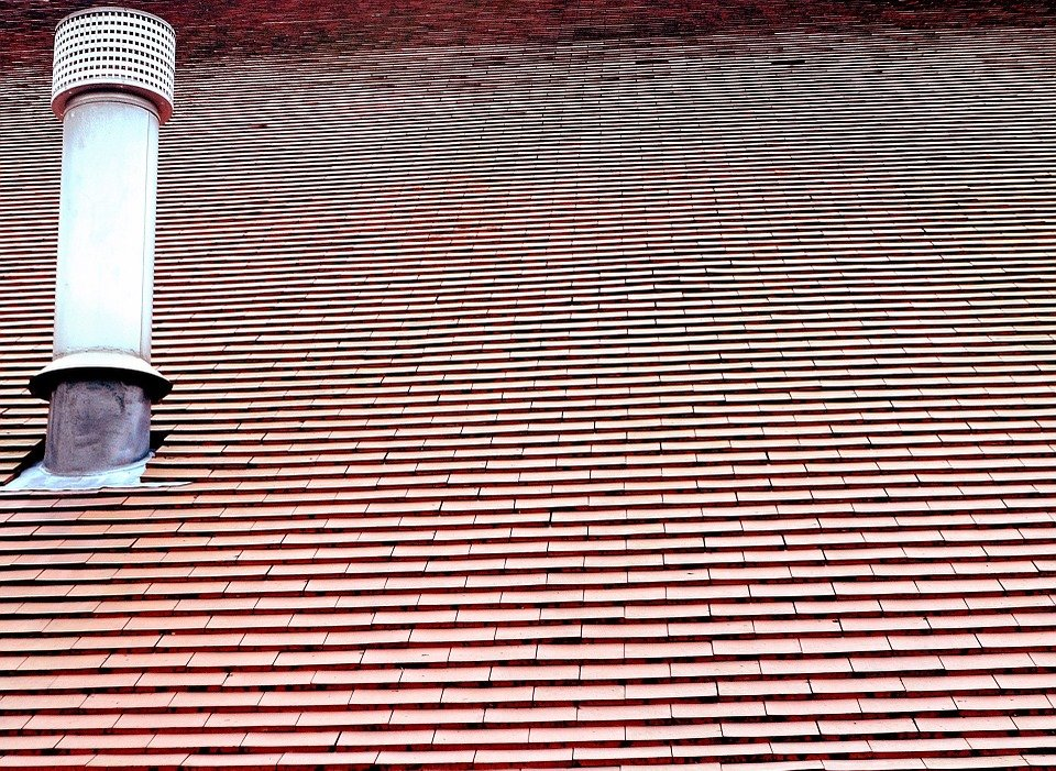 foto di una canna che emana fumo